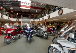 Kijkje in onze goldwing showroom !!