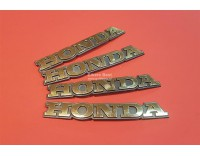 # 64125-MN5-000 Windscreen emblem GL1500 1988- 1993 used, still nice.